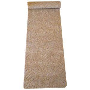 Szegett szőnyeg 70x400 cm beige színben karmolt mintával kiterítve