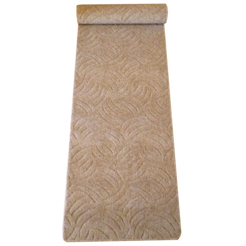 Szegett szőnyeg 70x300 cm beige színben karmolt mintával kiterítve