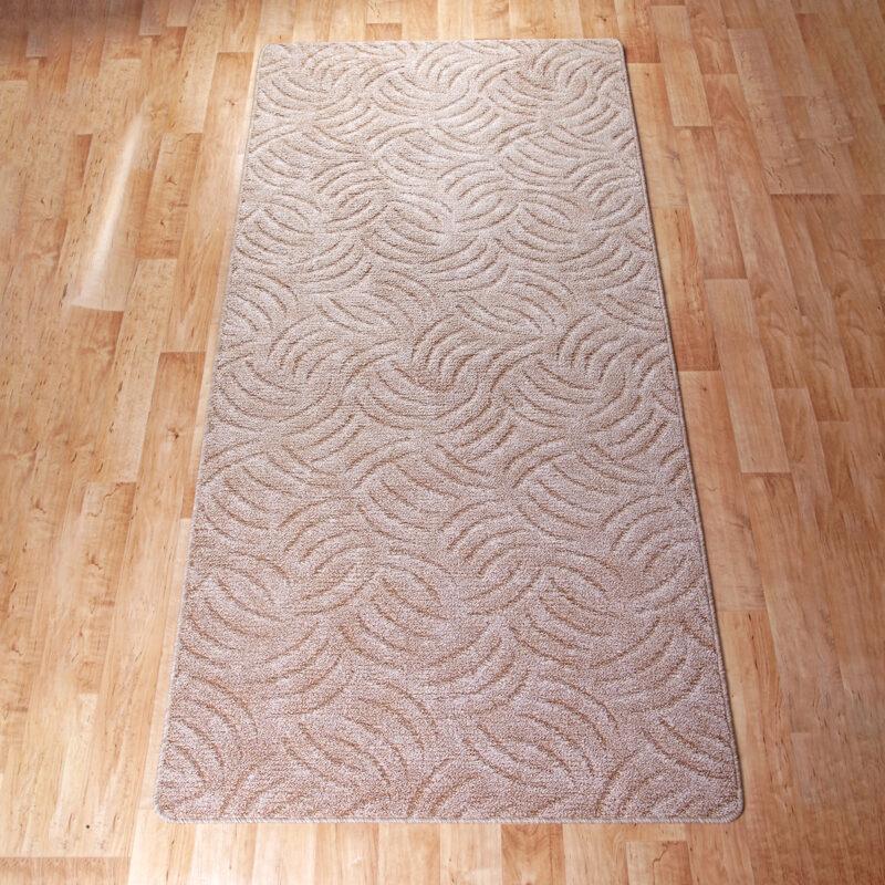 Szegett szőnyeg 100x200 cm - Beige színben karmolt mintával