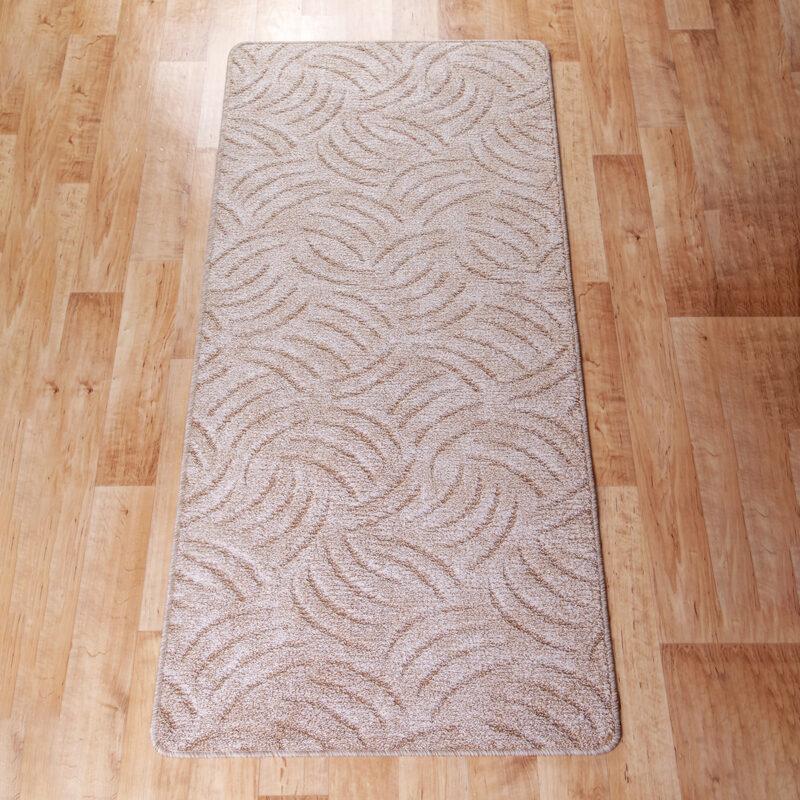 Szegett szőnyeg - Beige színben karmolt mintával