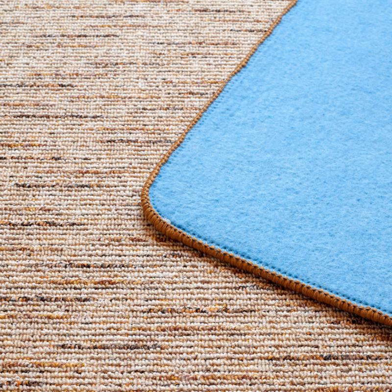 Szegett szőnyeg - Beige-barna színben vonalas mintával - közeli 2