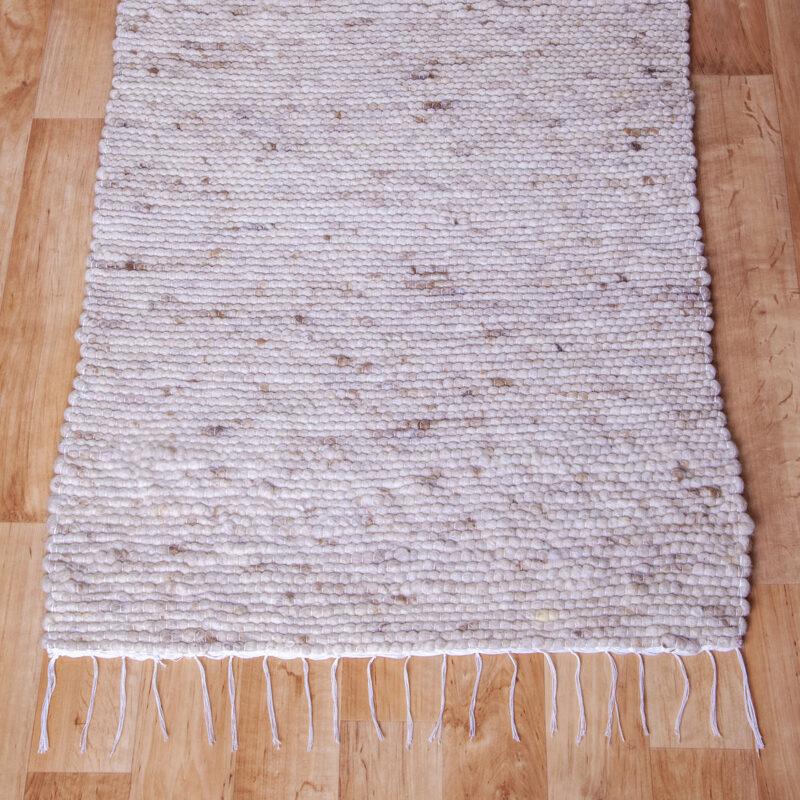 Gyapjú szőnyeg 70×200 cm – Natúr színben barna melírozással - közeli