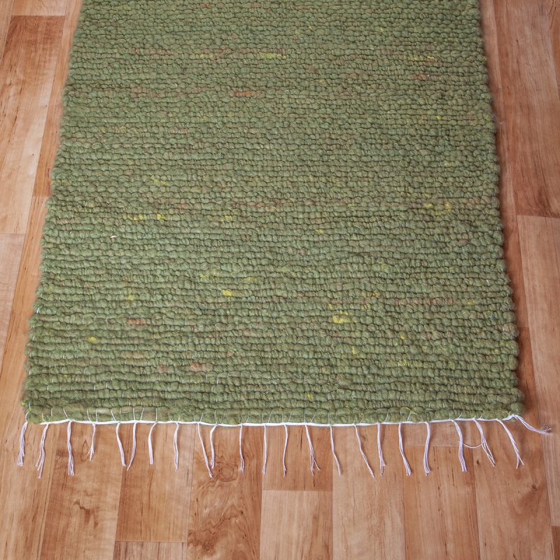Gyapjú szőnyeg 70×200 cm – Zöld színben - közeli