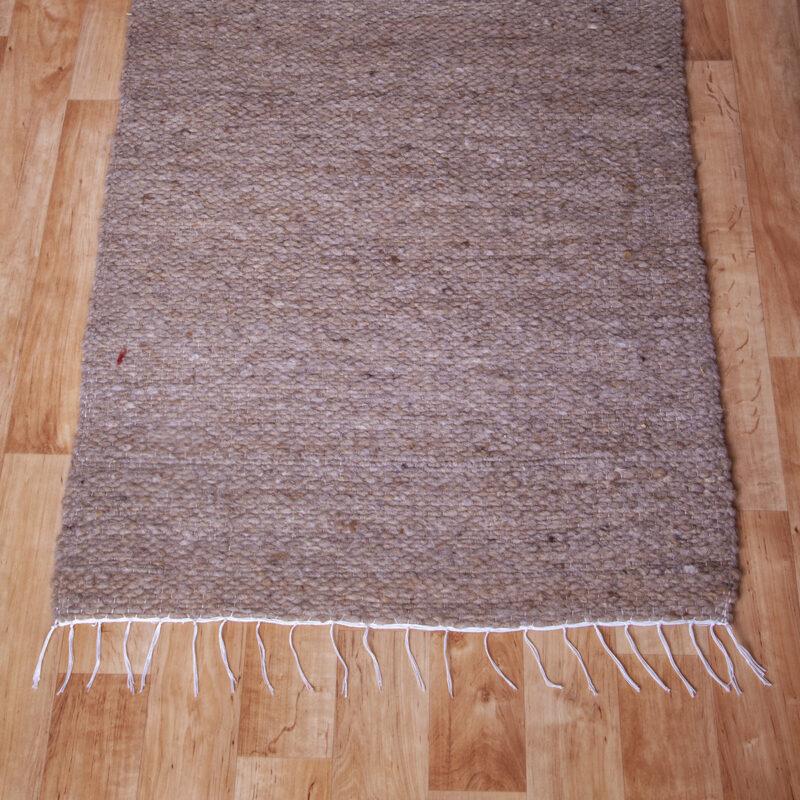 Gyapjú szőnyeg 70×200 cm – Barna színben - közeli
