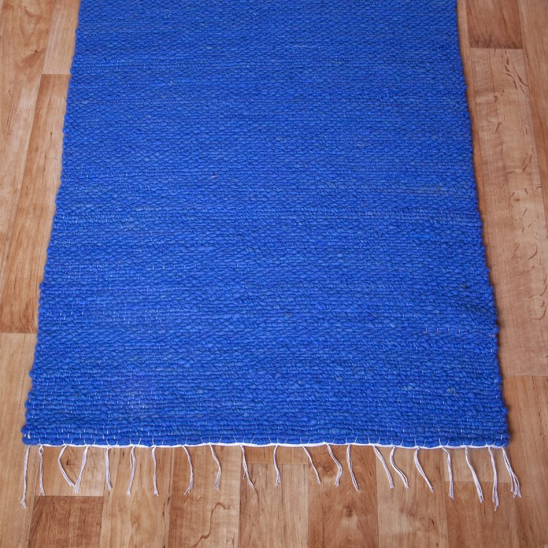 Gyapjú szőnyeg 70×200 cm – Kék színben - közeli