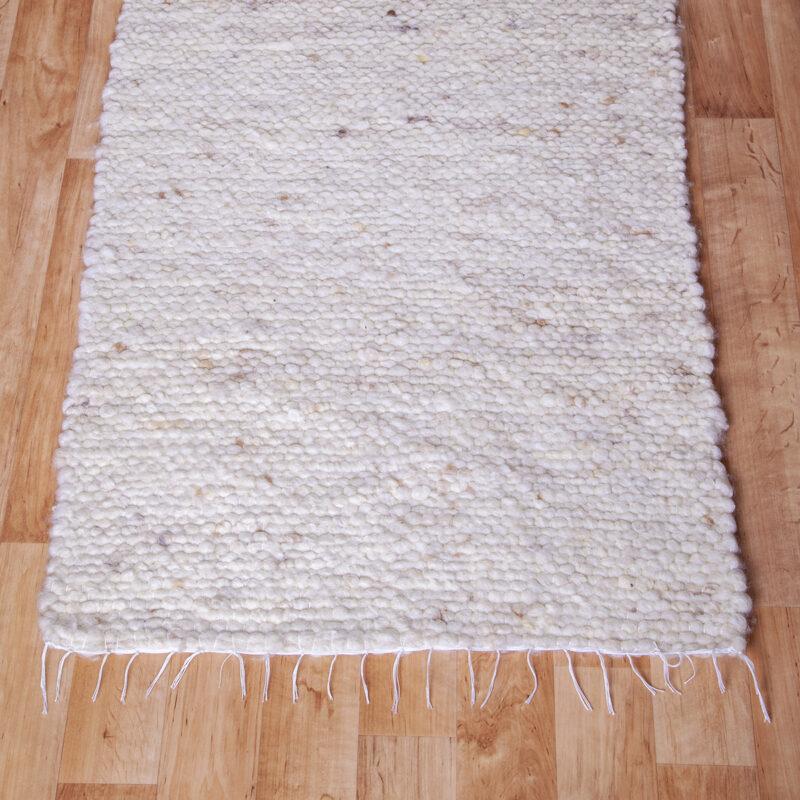 Gyapjú szőnyeg 70×200 cm – Natúr színben kevés melírozással - közeli