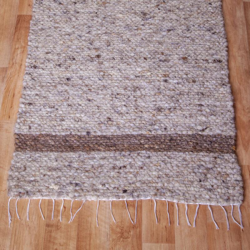 Gyapjú szőnyeg 70×200 cm – Világos beige színben barna csíkkal - közeli