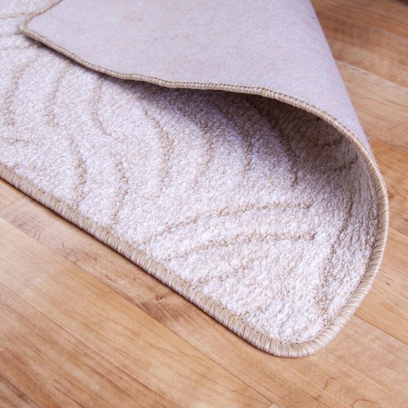 Szegett szőnyeg - Világos beige színben karmolt mintával - hátoldal
