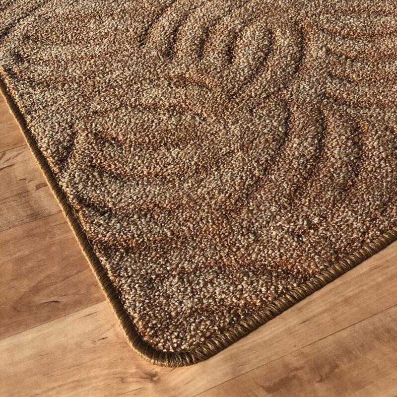 Szegett szőnyeg - Mogyoróbarna színben karmolt mintával - sarok