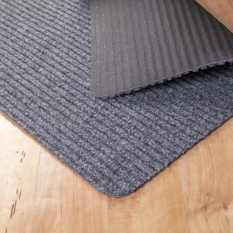 Gumis filc lábtörlő 70×120 cm – Világosszürke színben bordázott mintával - hátoldal