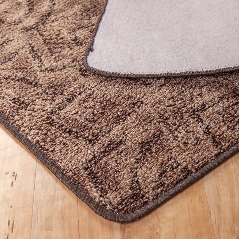 Szegett szőnyeg - Barna színben absztrakt mintával - hátoldal