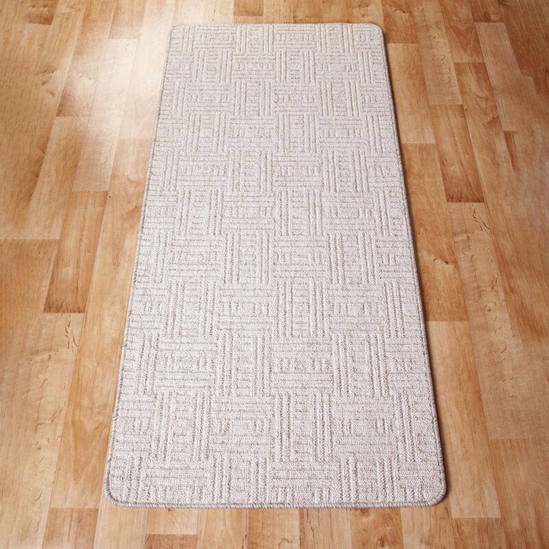 Szegett szőnyeg - Fehér színben négyzet mintával