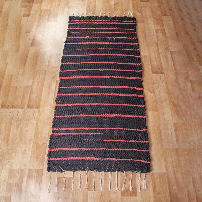 Fekete-piros rongyszőnyeg 65x150 cm