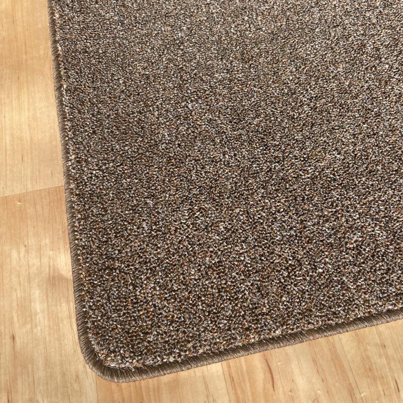 Szegett szőnyeg - Barna színben, melírozott mintával - sarok